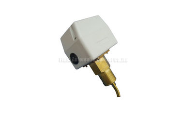"চীন 1/2"" Brass SPDT Paddle Flow Control Switch Maximum Pressure 13.5Bar For Water Saving System কারখানা"
